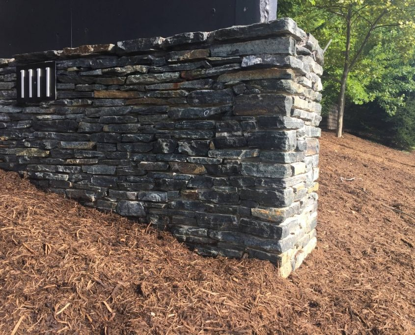 Ledgestone natural stone veneer retaining wall